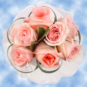 8 Sweet Pink Roses, Fillers & Pink Spray Roses Centerpieces