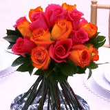 6 Beautiful Wedding Centerpieces with Dark Pink & Orange Roses