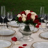 12 Stylish Wedding Centerpieces with Red & Ivory Roses