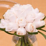 12 Fresh Wedding Centerpieces with Ivory Roses